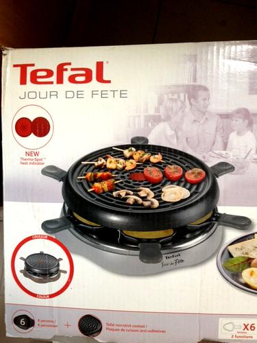 location appareil a raclette tefal jour de fete 6 personnes paris e loue. Black Bedroom Furniture Sets. Home Design Ideas